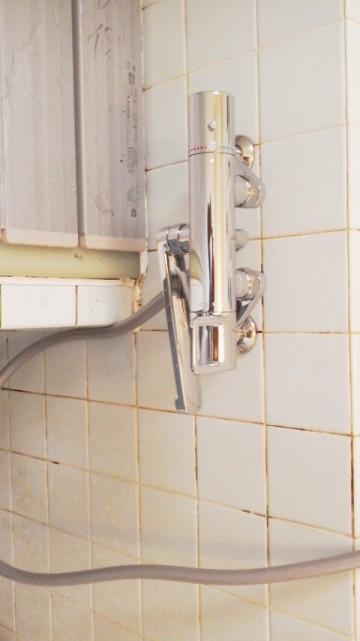 新潟修理交換センター・浴室シャワー水栓交換工事 新潟県新潟市 TOTO TMGG40E